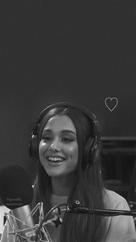 Pin de Luly en Ariana grande en 2019 | Fondo de pantalla