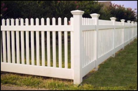 recinzioni da giardino in pvc le recinzioni prefabbricate un utile soluzione per i