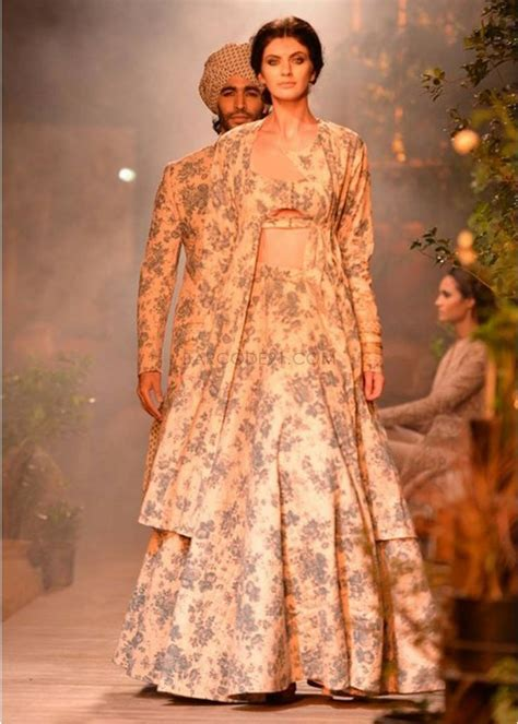 1000  images about Couture Anarkali on Pinterest   Manish