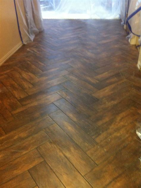 Ceramic Tile Flooring That Looks Like Wood by Ceramic Tile That Looks Like Wood Casual Cottage
