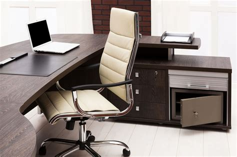 we are also dealing in proving the best office furniture