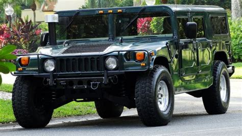 service manual how to remove 1999 hummer h1 cd player