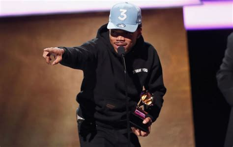 coloring book chance the rapper apple chance the rapper reveals apple paid 500 000 for coloring