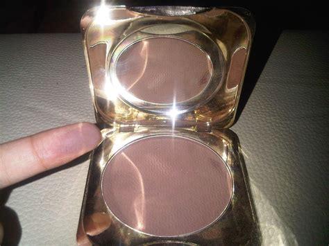 Fanbo Gold Powder 20gr fanbo gold classic compact powder 01 coklat mahakam
