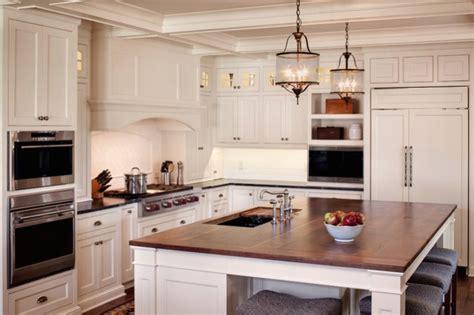 reader redesign farmhouse kitchen farmhouse kitchens kitchens biała kuchnia z drewnianym blatem pomysły shiny syl blog