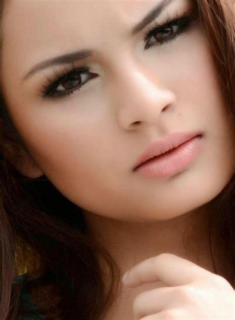 top  artis wanita  cantik  malaysia utusan