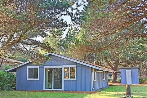 Cabin Rentals Washington Coast by B R Bungalow Vacation Rental Home Grayland