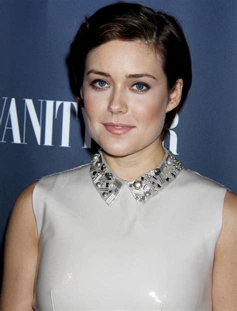 megan boone biography profile pictures news megan boone picture 17 nbc s nbc and vanity fair toast