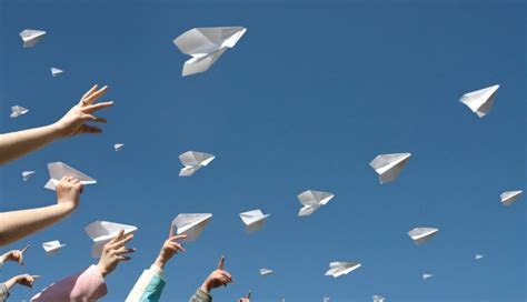 What Makes A Paper Airplane Fly Farther - how far can a paper airplane fly wonderopolis