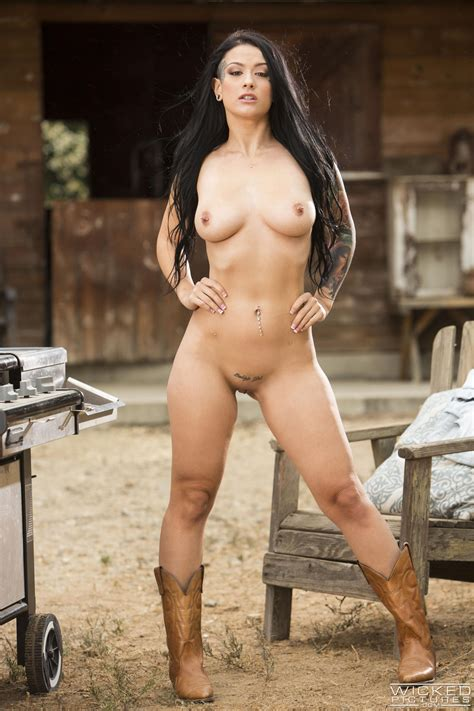 Big Ass Babes Are Posing Almost Naked Photos Katrina Jade