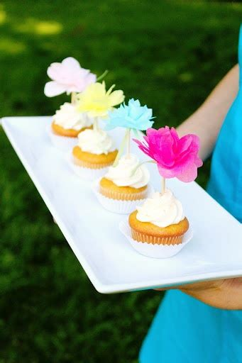 How To Make Paper Cupcake Toppers - 17 best images about cupcake decorating on
