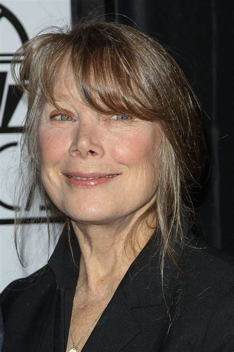 why does sissy spaceck wear bangs 82 best women actors over 50 images on pinterest hair