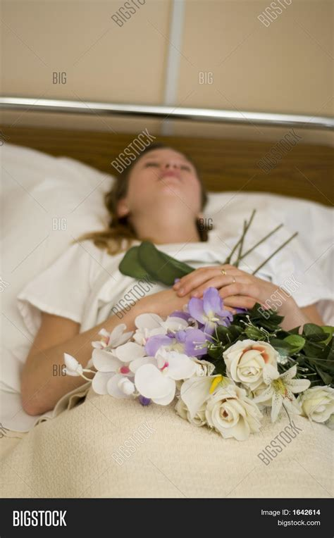 dead in bed dead young girl bed image photo bigstock
