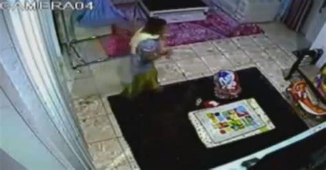 Cctv Rumah Di Malaysia rakaman cctv pembantu rumah dera bayi 4 bulan in the fab lame