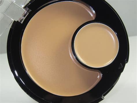 Revlon 2 In 1 revlon colorstay 2 in 1 compact makeup concealer review