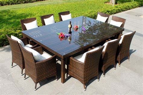 Outdoor Dining Tables For 10 Selecting The Right Choice 10 Person Dining Table By