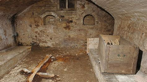 room found 10 creepiest secret rooms found in houses