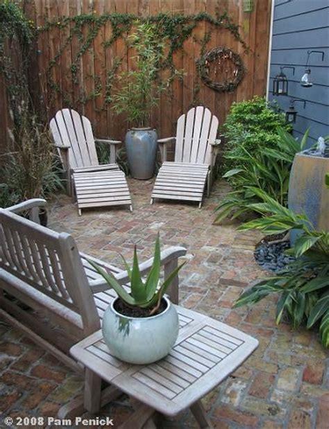 backyard courtyard ideas best 25 small courtyard gardens ideas on pinterest small courtyards courtyard