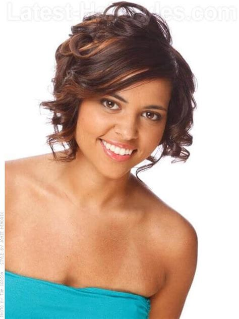 highlighted hair styles chin lenght natural curly hair 10 cute short chin length hairstyles