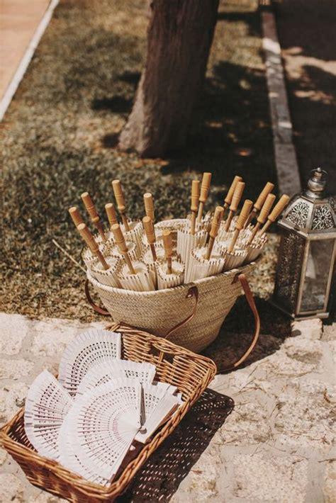 decorar cestas para bodas 16 ideas para decorar con cestas una boda bohemian and chic