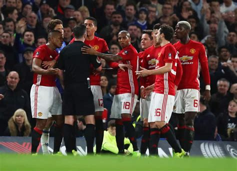 manchester united official 2017 leaked man united s 2017 18 home kit looks like a liverpool strip