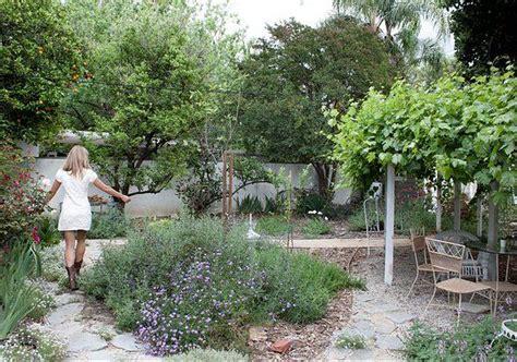 Garden Pathways Bakersfield by California Landscape Design Search