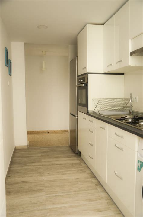 rooms to rent near me 4 rooms for rent only near malvarrosa politecnica room for rent