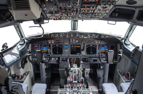 b737 max flight deck green boeing 737 cockpit infinite flight community