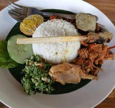 Nasi Ayam Goreng Goyang Lidah Paket Halal nasi ayam kedewatan bu mangku pilihan kuliner klasik dan halal di bali reresepan