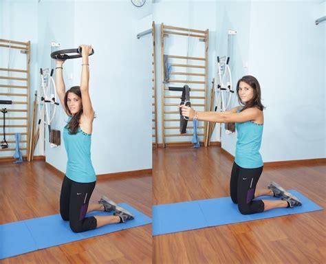 ginnastica per interno braccia esercizi di pilates per la schiena addominali e glutei