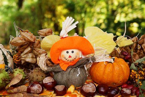 Kostenlose Bilder Herbst by Vogelscheuche Herbst K 252 Rbis Kastanien Lizenzfreie