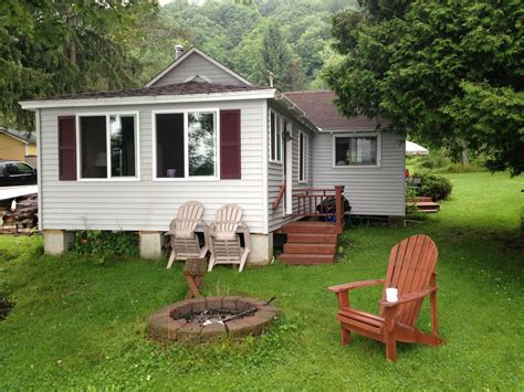Cottage Sleeps 20 by Charming Lakeside Cottage Vrbo
