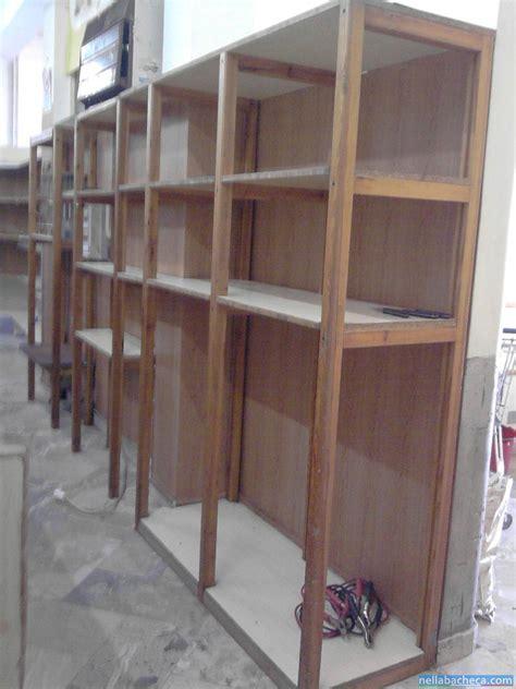 scaffali alimentari scaffalatura in legno per negozio di alimentari sicilia