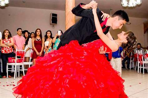 bailando el vals de quince a os quinceaneras waltz importancia del baile de 15 a 241 os renta sal 243 n de eventos