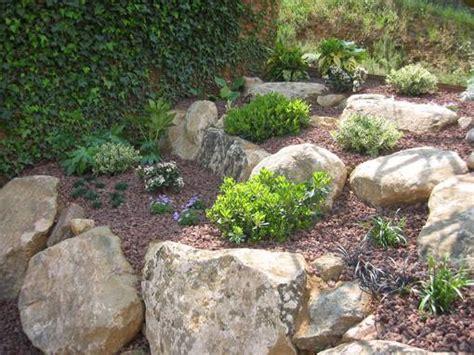 imagenes de jardines en terrenos inclinados 191 c 243 mo dise 241 ar un jard 237 n con desniveles el blog de plan