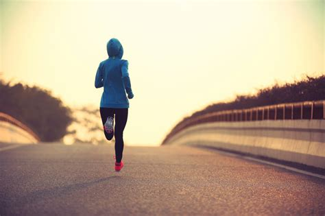 mindful running how meditative running can improve performance and make you a happier more fulfilled person books 3 ways to be a more mindful athlete huffpost