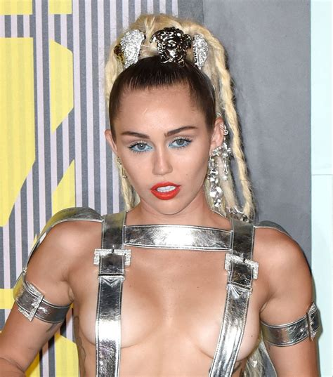 miley cyrus skinny instagram pic fans react to bony fans concerned after miley cyrus posts scary skinny selfie