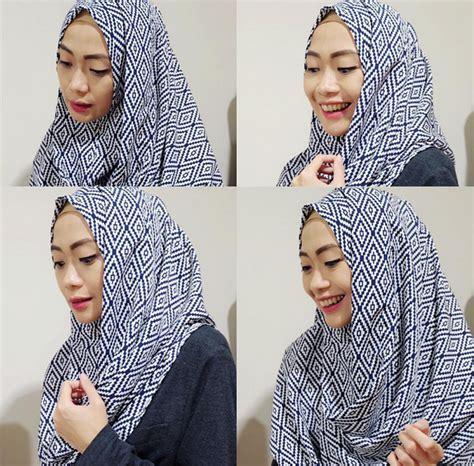 tutorial hijab pashmina satin untuk kuliah cara memakai pashmina simple untuk kuliah tutorial