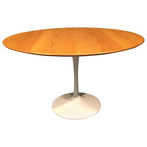Original Marble Tulip Dining Table By Eero Saarinen Eero Saarinen Oak Tulip Dining Table For Knoll At 1stdibs