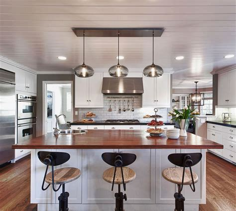 Pendant Lighting For Island Kitchens Kitchen Island Pendant Lighting In A Cozy California Ranch