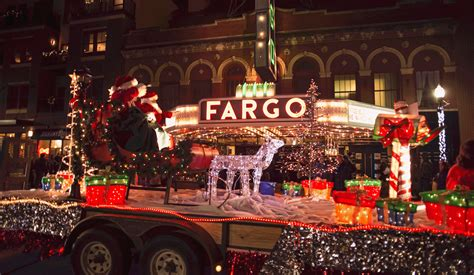 niantic christmas light parade 2017 holiday lights parade downtown 11 20 18 fargo moorhead