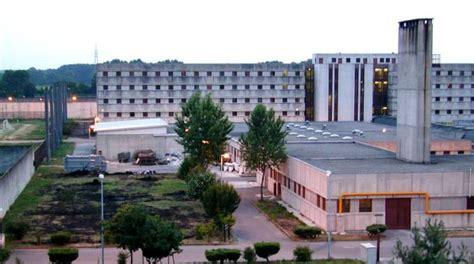 casa di reclusione di opera lite fra due detenuti nel carcere di opera ferito un