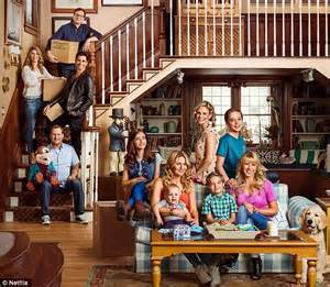 full house new show netflix s full house teaser with everyone but mary kate and ashley olsen daily mail