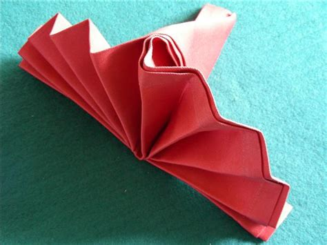 Simple Napkin Origami - serviette napkin folding simple standing fan recipe