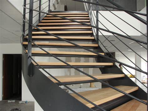 Nettoyer Un Escalier En by Nettoyer Un Escalier En Bois Maison Design Apsip