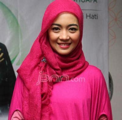 Atasan Wanita Azzurra No 17 koleksi foto wanita muslimah berjilbab 171 noritaimelda1blog
