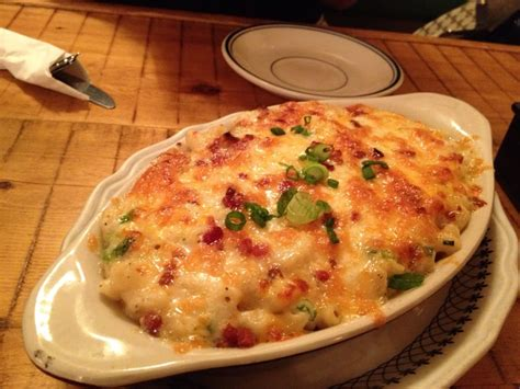 queens comfort bacon scallion mac cheese cabot cheddar vintage