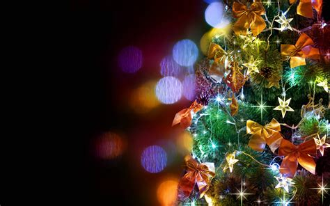 christmas tree with house wallpaper tree wallpaper backgrounds wallpaper cave