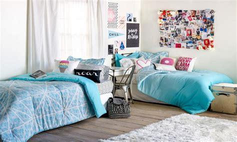 dorm room decorating ideas decor essentials interior ideas on how to decorate your room pinterest dorm room