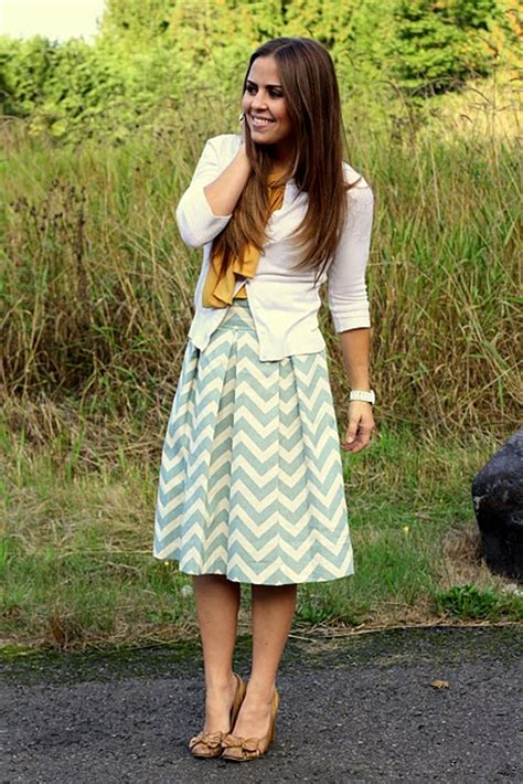 how to wear knee length skirts 4